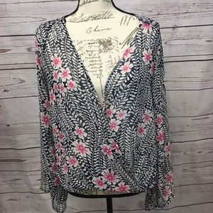 673-Mystique small flowery blouse
